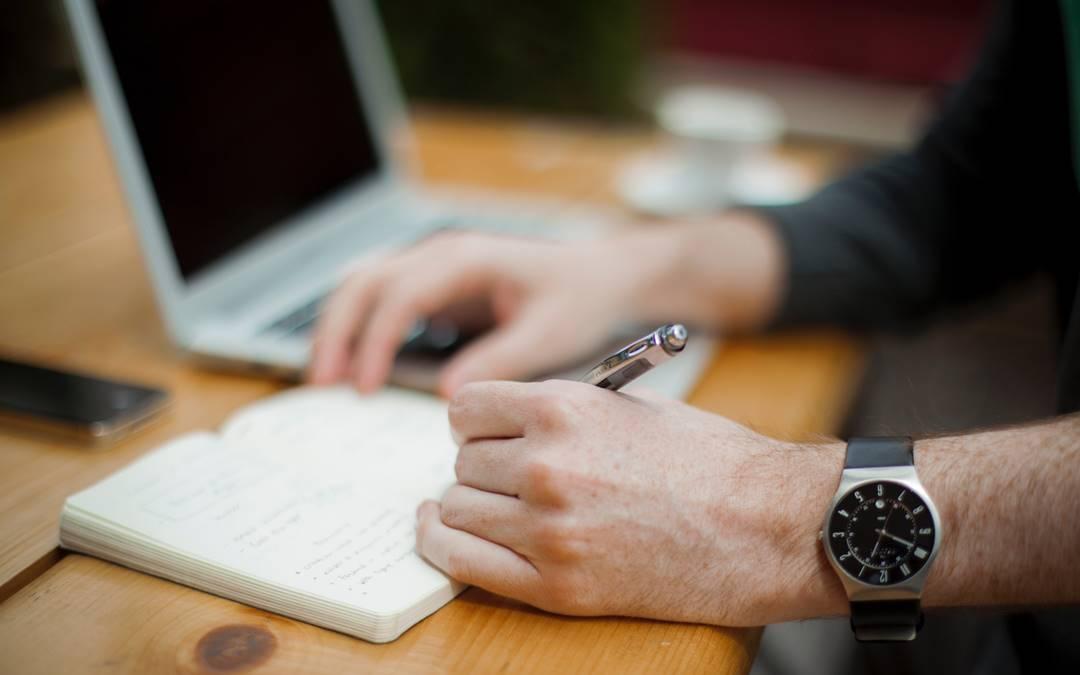 Blended learning – nowy pomysł na szkolenia pracownicze